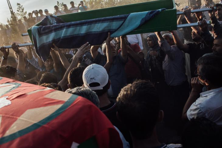 The funeral of YPG fighters killed in Kobani, Suruc, Turkey, October 2014 (photo: Furkan Temir)