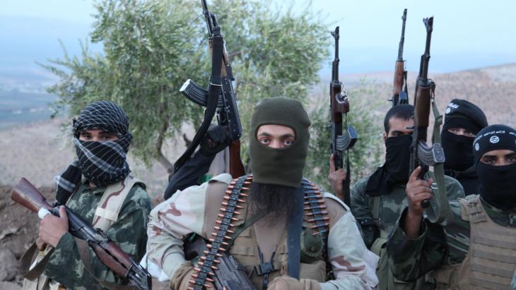 IS fighters near Aleppo, Syria (photo: picture-alliance/ZUMA Press/M. Dairieh)