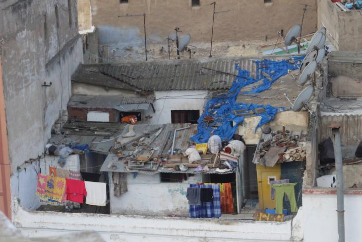 Makeshift homes built on top of other houses in Casablanca (photo: Susanne Kaiser)