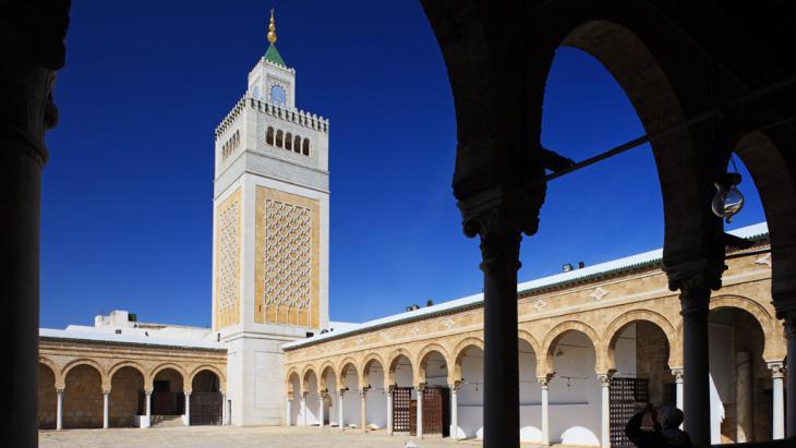 Ez-Zitouna Mosque in Tunis (photo: picture-alliance/Bildagentur Huber)