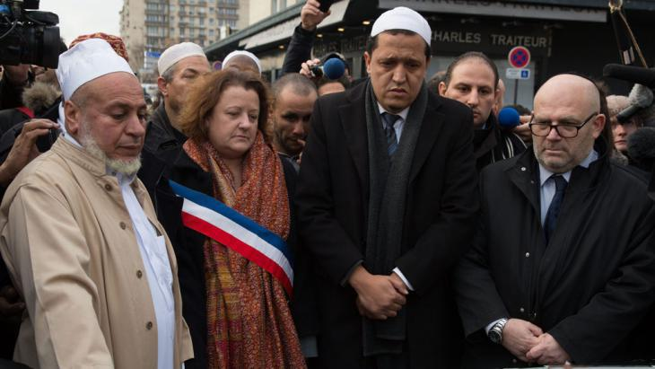 French Muslims express their sadness after the attacks in Paris (photo: picture-alliance/dpa/Matthieu de Martignac)