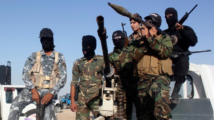 Shia militia in Canaan, Diyala province (photo: Reuters)