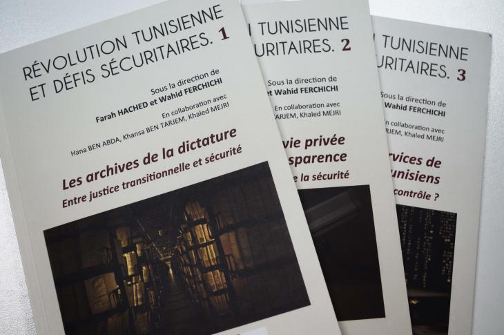 """The three volumes of the study """"Tunisian Revolution and Security Challenges"""" (photo: Sarah Mersch)"""