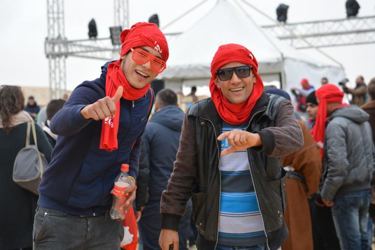 """Festival-goers at """"Les Dunes Electroniques"""" (photo: Jannis Hagmann)"""