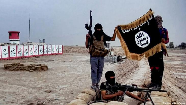 IS terrorists in Iraq (photo: picture-alliance/abaca)