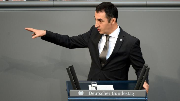 Cem Ozdemir speaking in the German parliament (photo: John Macdougall/AFP/Getty Images)