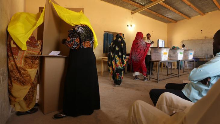 A polling station in Khartoum (photo: AFP/Getty Images/P. Baz)
