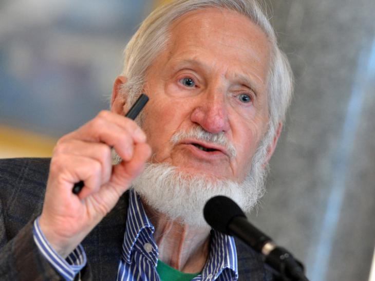 """Rupert Neudeck, Gründer der Hilfsorganisation """"Grünhelme""""; Foto: dpa/picture-alliance/Britta Pedersen"""