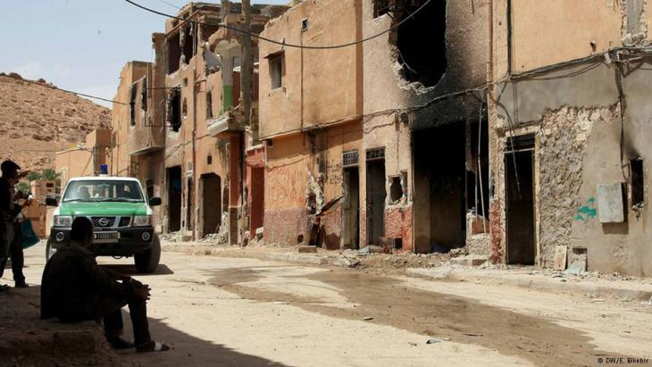 Burned-out buildings in Ghardaia (photo: DW/E. Elkebir)