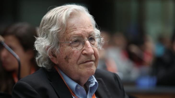 Noam Chomsky (photo: DW/M. Magunia)