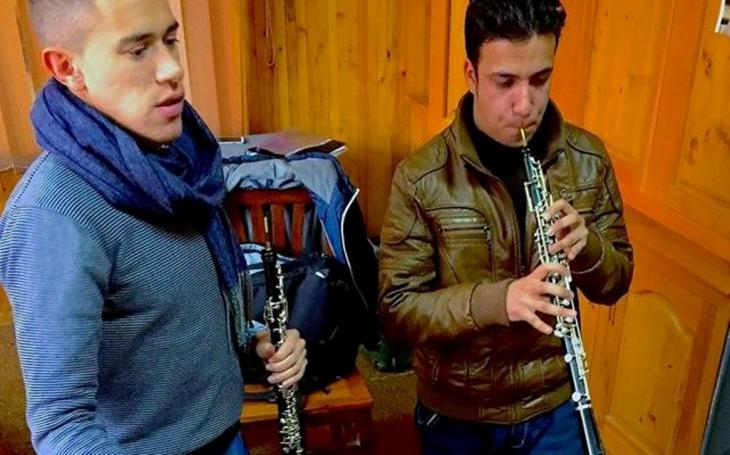 Demetrios Karamintzas and a student during an oboe lesson (photo: Demetrios Karamintzas)