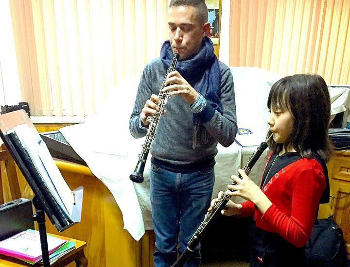 Demetrios Karamintzas and a student during an oboe lesson (photo: Demetrios Karamintzas)