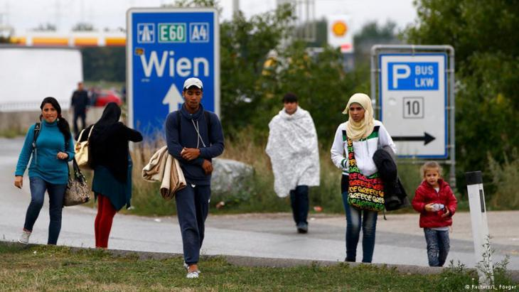 Refugees at the Austro-Hungarian border (photo: Reuters)