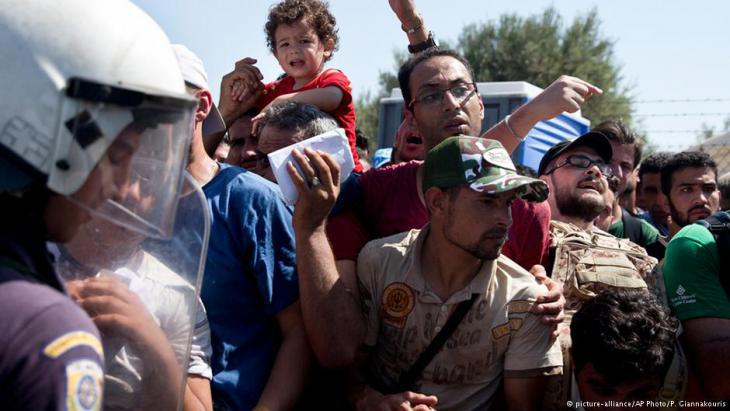 Refugees on Lesbos (photo: dpa/picture alliance)