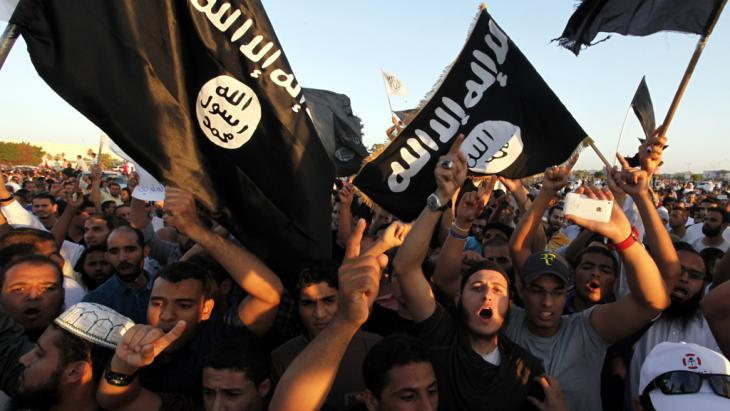 IS supporters in Benghazi, Libya (photo:picture-alliance/AP Photo/M. Hannon)