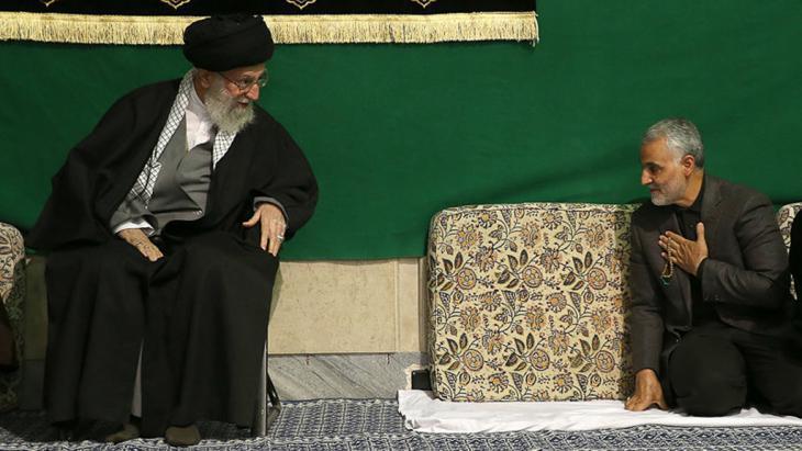 Qassem Soleimani with Ali Khamenei (photo: Isna)