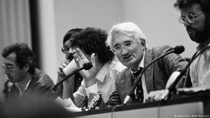 Habermas at the Adorno Congress in 1983 (photo: ullstein bild/Meller Marcovicz)