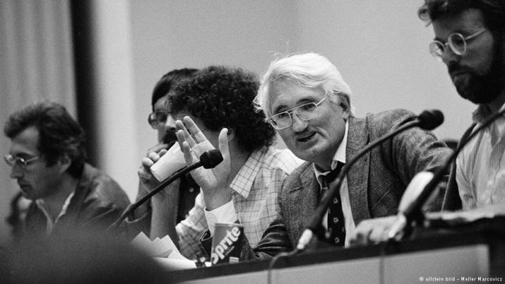 Habermas at the Adorno Congress in 1983 (photo: ullstein bild/Meller Marcovicz)