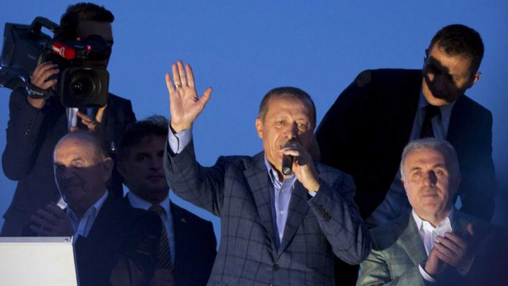 Recep Tayyip Erdogan during the 2014 presidential election (photo: picture-alliance/AP)