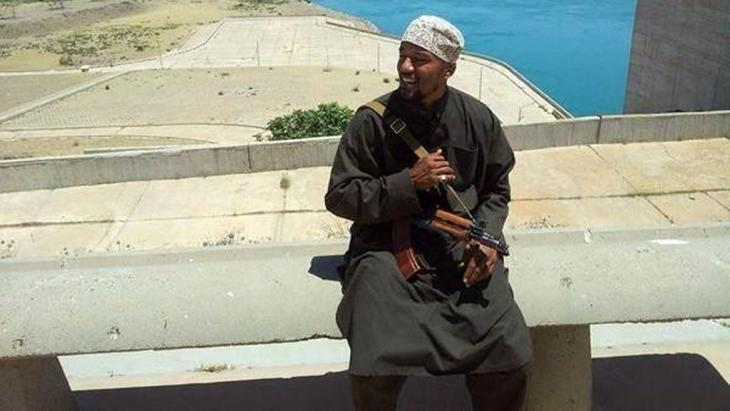 Picture of German jihadist Denis Cuspert (AKA Abu Talha al-Almani) at what is purportedly the Islamic State-held Mosul Dam in Iraq's Ninawa province, August 2014 (photo. SITE Intelligence Group/Twitter/dpa)