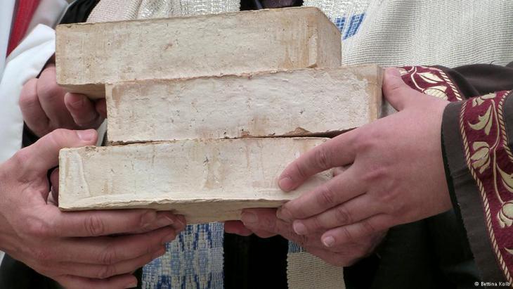 Bricks for the three faith centre (photo: Bettina Kolb)