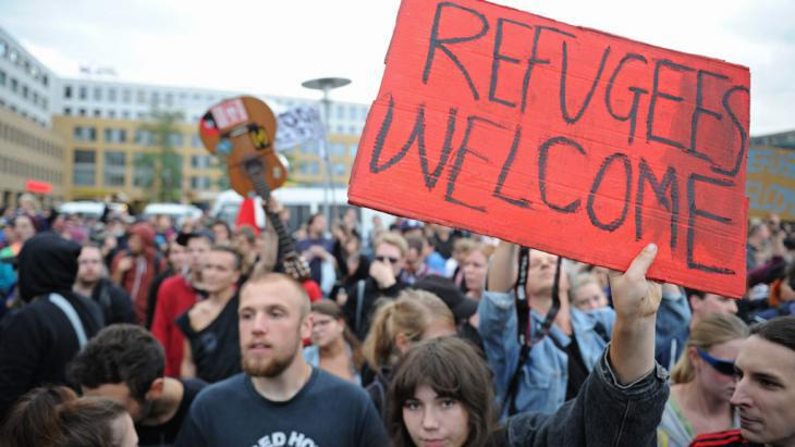 Pro-refugee demonstration in Berlin (photo: picture-alliance/dpa)