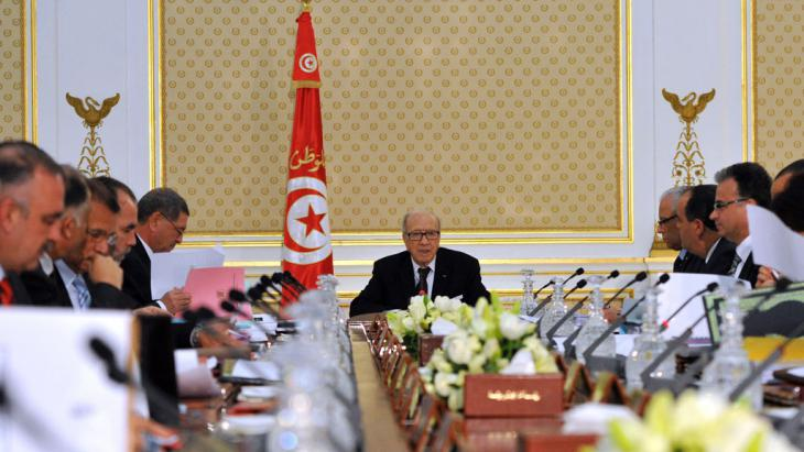 Cabinet meeting led by Tunisia′s president Beji Caid Essebsi (photo: Getty Images/AFP/F. Belaid)