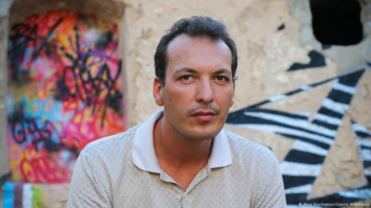 Mehdi Ben Cheikh, manager of the ″32 bis″ gallery in Tunis (photo: Sarah Mersch)