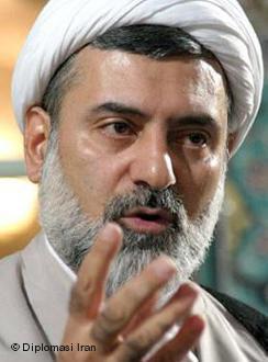 The Iranian theologian Mohsen Kadivar (source: Islam Diplomasi)