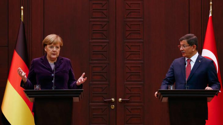 German Chancellor Angela Merkel gestures during a joint news confernce with Turkish Prime Minister Ahmet Davutoglu in Ankara (photo: Reuters/U. Bektas)