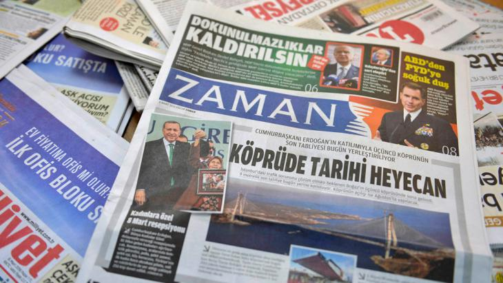 Pro-government front page of Zaman one day after its seizure (photo: Getty Images/AFP/A. Altan)