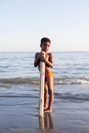Afro-Iranian boy on the Persian Gulf (photo: Mahdi Ehsaei)