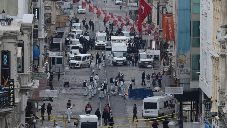 Terrorist attack on the pedestrian Istiklal avenue in Istanbul on 19 March 2016(photo: Bulent Kilic/AFP/Getty Images)