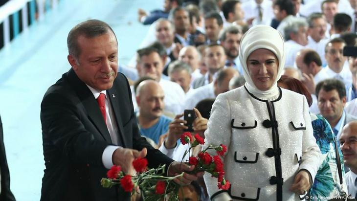 Turkish President Erdogan with his wife Ermine on 27 August 2014 (photo: AFP)