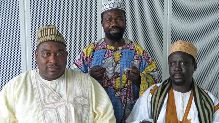 Members of the Tijanyya Sufi order from Senegal (photo: DW/C. Dehn)