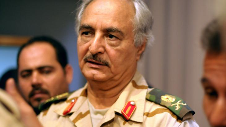 General Khalifa Haftar; Foto: picture-alliance/dpa
