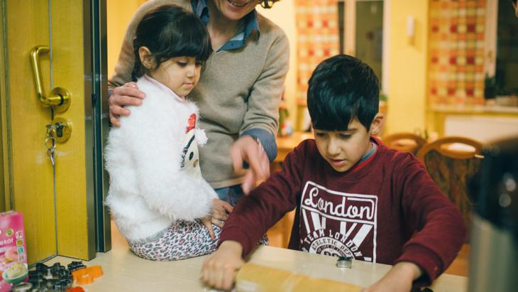 Refugee children in a refugee reception centre in Dresden (photo: picture-alliance/dpa/O. Killig)