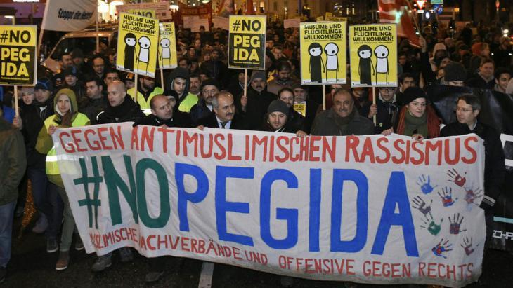 Anti-PEGIDA demonstration on 02.02.2015 (photo: picture-alliance/APA/Herbert P. Oczeret)