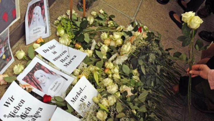 Mourning the death of Marwa El-Sherbini (photo: picture-alliance/dpa)