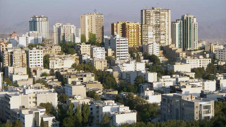 View of skyscrapers in Tehran (photo: Stefan Baum/Fotolia)