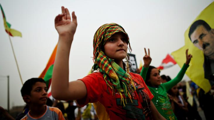 PYD demonstration in Al Malikiye/Derik in northern Syria, August 2012 (photo: picture-alliance/dpa/C. P. Tesson)