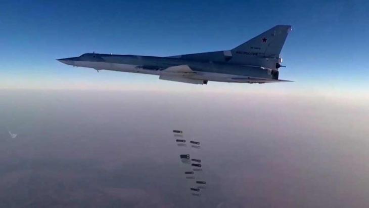 Russian fighter jet TU-22M3 bombing Aleppo (photo: picture-alliance/dpa/Russian Defence Ministry Press Service)
