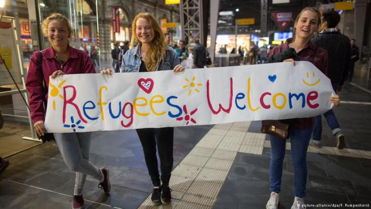 A self-confident answer to the right-wingers′ battle cry of ″Auslaender raus″ (Foreigners get out!)