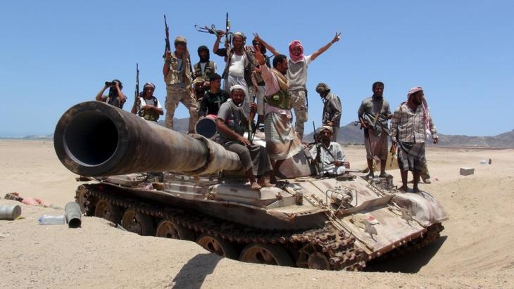 Anti-Houthi rebels in the vicinity of Aden (photo: Reuters)