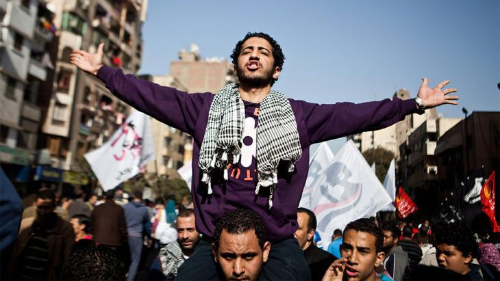 Arabellion on Tahrir Square in Cairo (photo: picture-alliance/dpa)