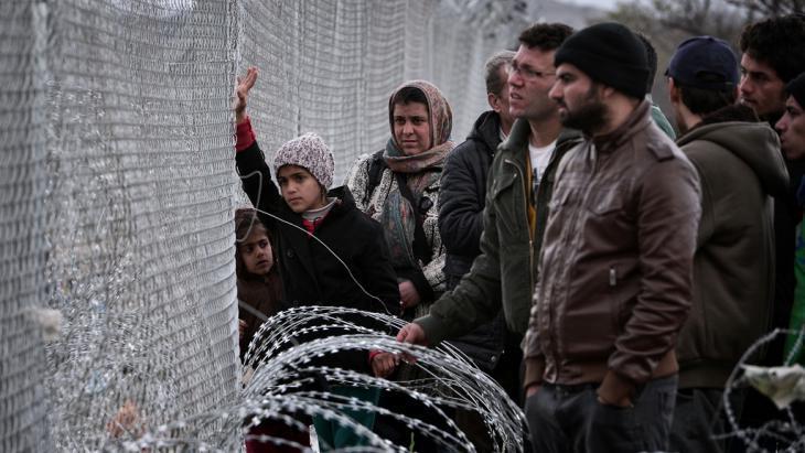 Refugees near Idomeni (photo: Getty Images/AFP/L. Gouliamaki)