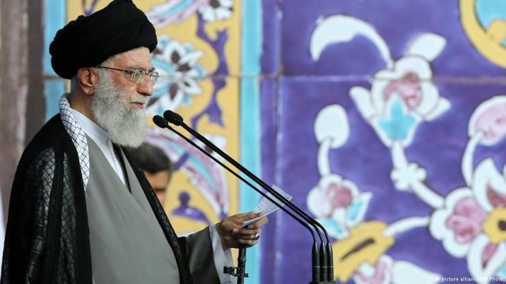Revolutionary leader Ali Khamenei (photo: picture-alliance/AP)