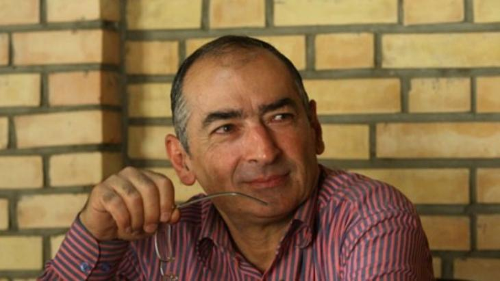 Iranian political scientist Sadegh Zibakalam (photo: AP)