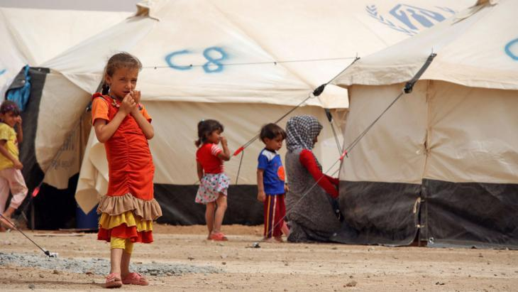 Refugee camp near Mosul in Iraq′s northern Makhmour region (photo: Reuters/A. Jalal)