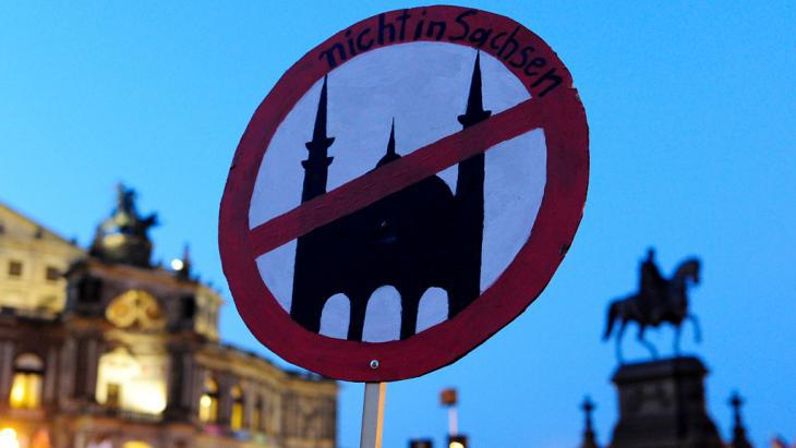 PEGIDA anti-mosque protest in Dresden (photo: Getty Images/AFP/R. Michael)